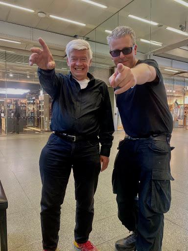 SCHMULL (77) & Dr. K (St. Pancras Station, Londen)