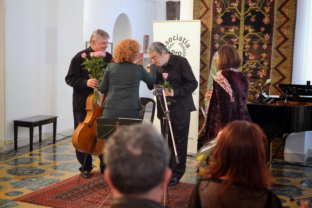 Violoncelistul Dan Cavassi - (231)