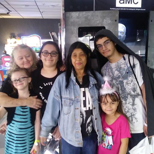 user Sarah Johnson apkdeer profile image