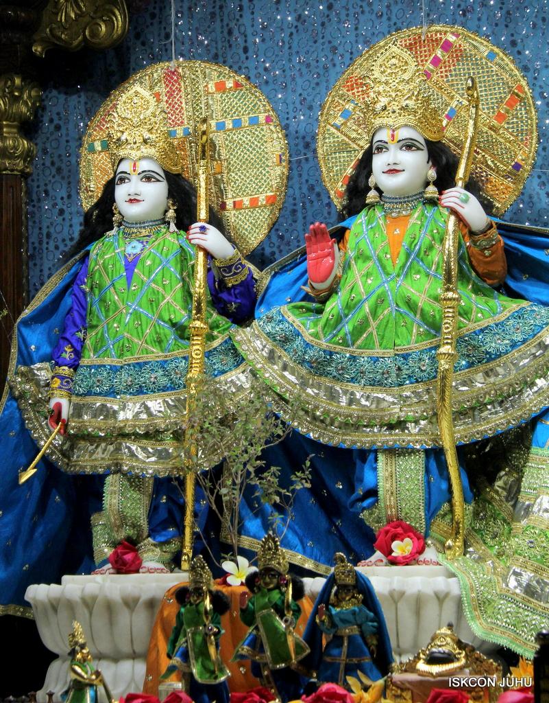 ISKCON Juhu Mangal Deity Darshan on 20th Jan 2017 (10)