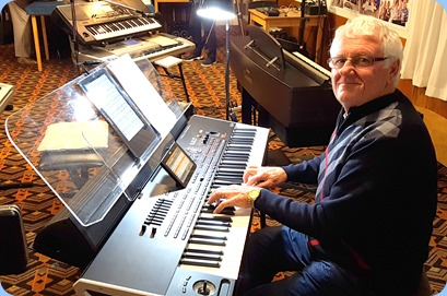 Rob Moffat playing his Korg Pa4X (76 note version) for the arrival music.