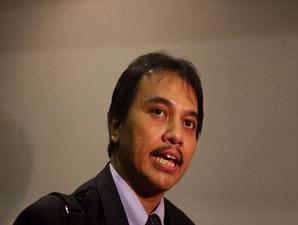 Roy Suryo Diusir dari Pesawat Lion Air
