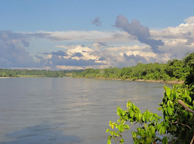 Le Rio Tambo près de Betania. Photo : Marco Jurado Ames (MoutainGuide, Panoramio)