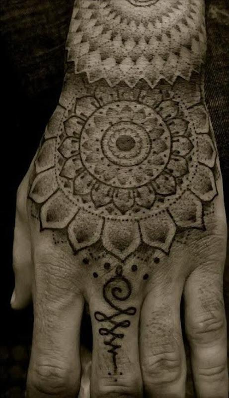 mao_tatuagens_mais_legais_projetos_do_tattoo_15