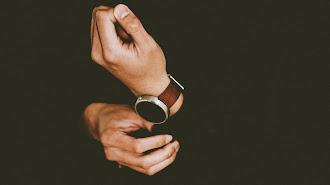 Kebiasaanmu Memakai Jam Tangan Rupanya Bisa Tunjukkan Kamu Orang yang Seperti Apa, Coba Cek yuk