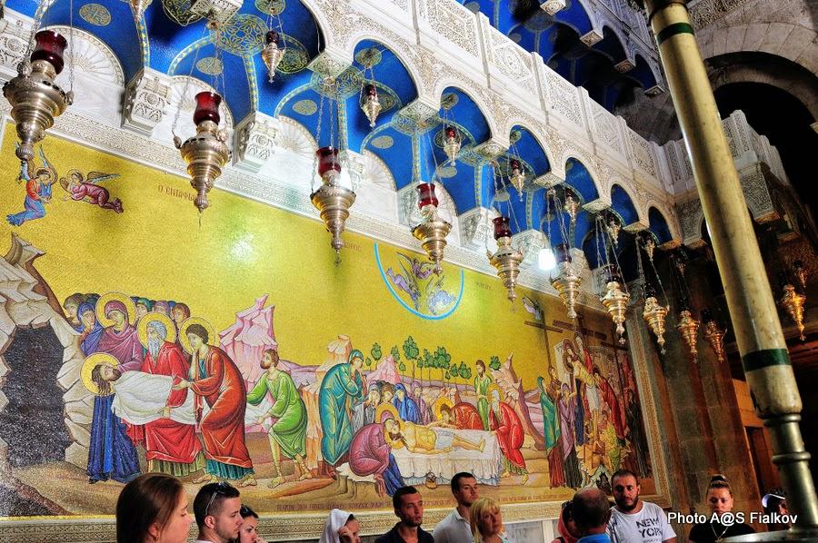 Храм Гроба Господня, мозаика напротив камня Миропомазания. Экскурсия по Иерусалиму. Гид в Израиле Светлана Фиалкова.