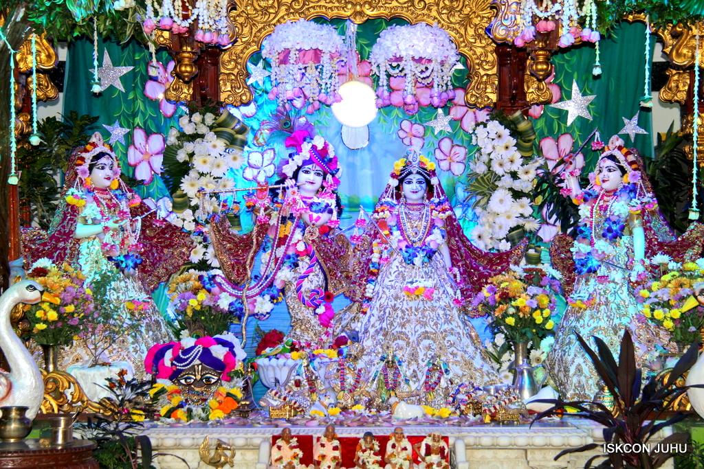 Sharad Purnima Deity Darshan on 16th Oct 2016 (14)