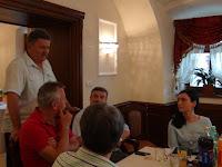 Auxt Ferenc köszönti Rimaszombatban az új elnökséget.JPG