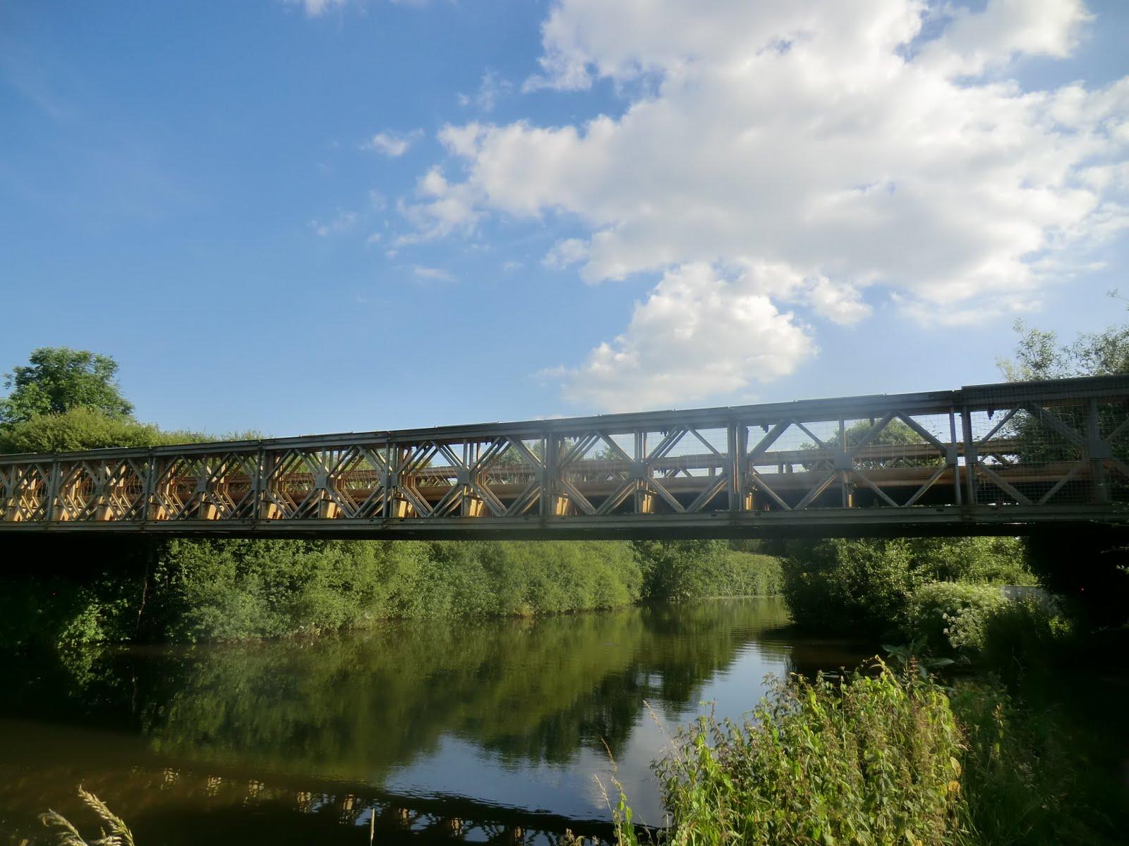 CIMG2013 River Medway