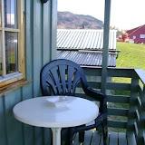 Veranda vendt mot fjorden / Balkony with view over the Hardangerfjord