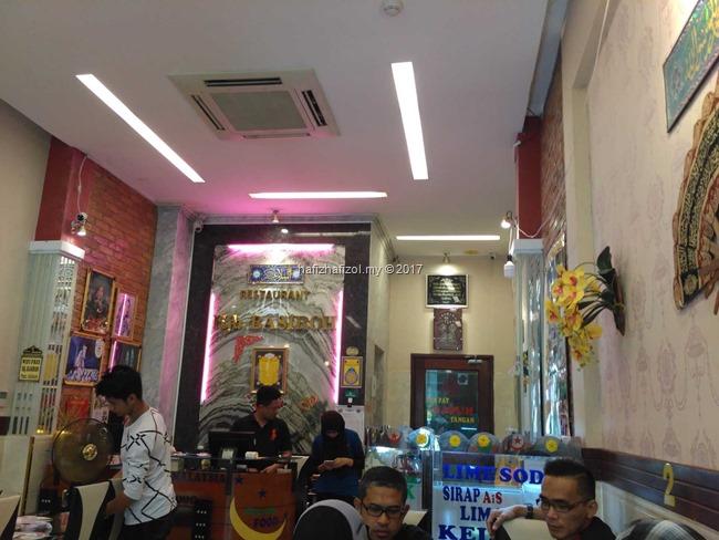 restoran hajah basiroh vietnam