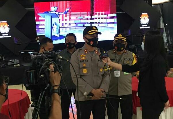 Tinjau Lokasi Debat Publik Calon Bupati Dan Wakil Bupati Soppeng, AKBP Roni Tekankan Ini