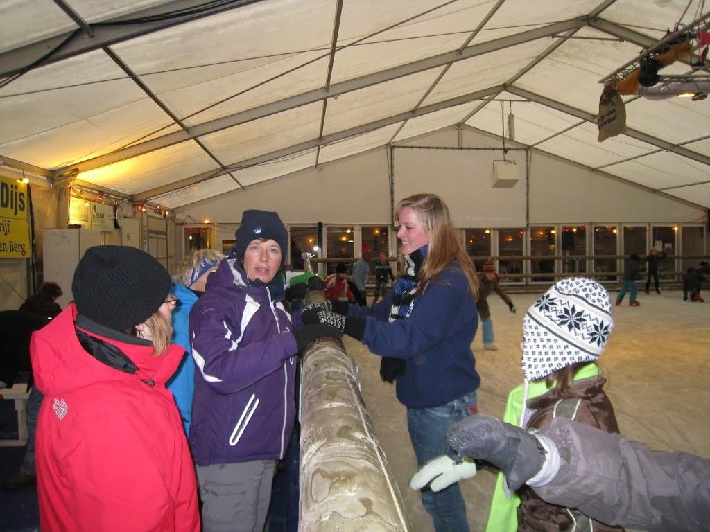 Sinterklaas bij de schaatsbaan - IMG_5116.JPG