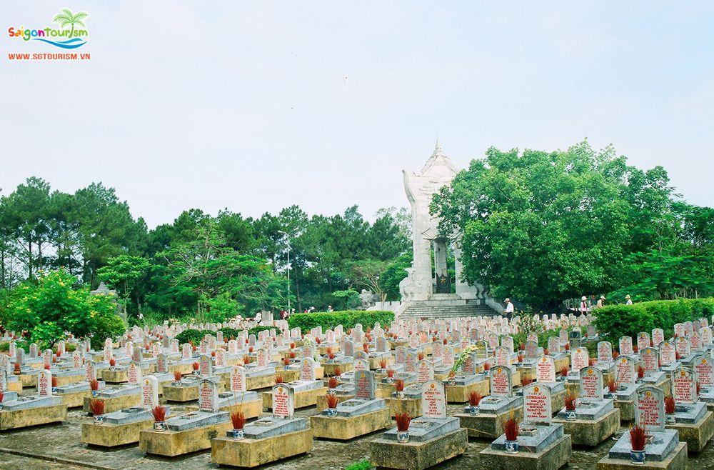 Image result for Nghĩa trang Hàng Dương  côn đảo