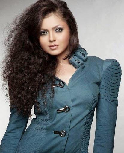 Drashti Dhami Photos