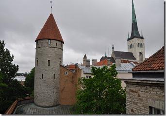 Tallin clocher de St Olaf a droite de la 2m margaret tour