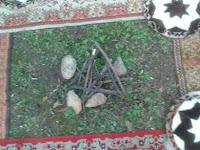 A kultikus tűzhely, mely az ősök szellemének lakhelye volt..jpg