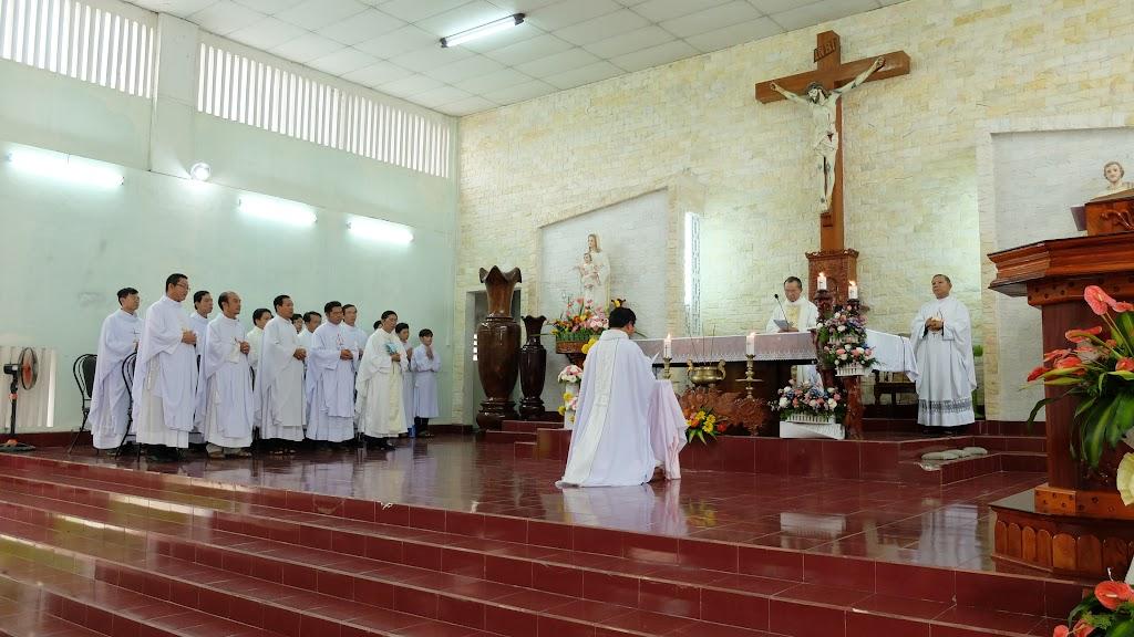 Hình ảnh thánh lễ và nghi thức nhậm xứ của Cha tân quản xứ Stêphanô Nguyễn Thông tại Giáo xứ Dục Mỹ, giáo hạt Vạn Ninh, thứ tư ngày 5/6/2016