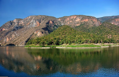 Bhumibol Or Yan Hee Dam