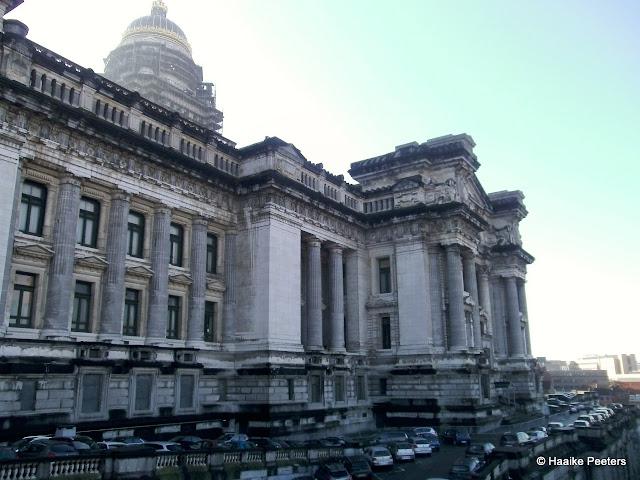 Justitiepaleis Brussel (Le petit requin)