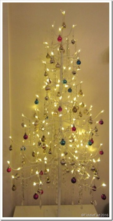 Jewelled Christmas Tree with Chandalier glass drops