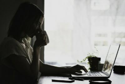 Sebagai seorang blogger pasti setiap orang merasakan suka dan duka menjadi sorang blogger. Karena kegiatan ini sangat menyita waktu yang amat banyak dan menghabiskan banyak tenaga beserta pikirkan kita