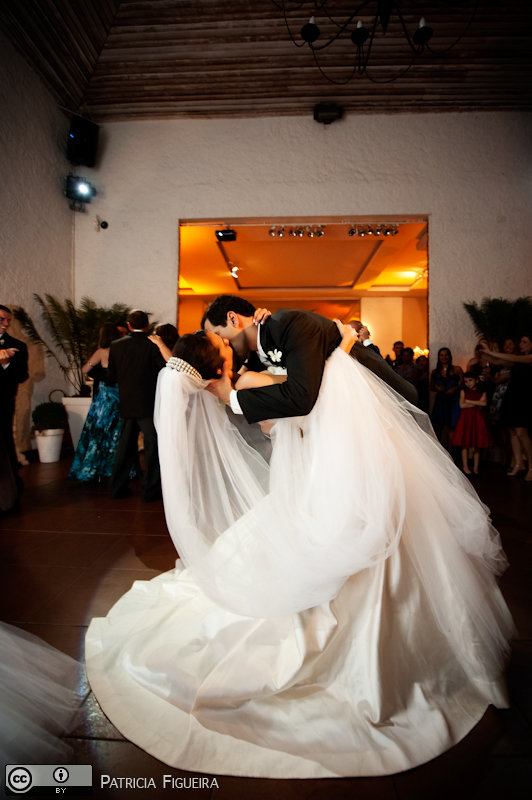 Foto de casamento 1754 de Nathalia e Fernando. Marcações: 04/12/2010, Casamento Nathalia e Fernando, Niteroi.
