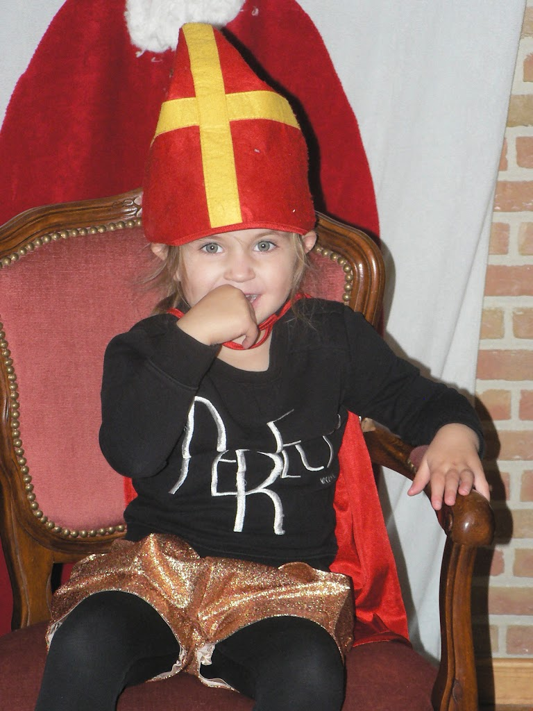 Sinterklaas op bezoek - P1270271.JPG
