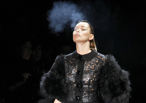 kate moss smoking louis vuitton. quot;Smokinquot; Hot Kate Moss