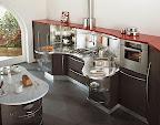 cucina modello SKYLINE di Snaidero, particolare del piano sagomato con lavello e piano cottura
