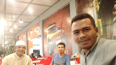 Bersama tgk Imun  chik  mesjid  besar peusangan kabupaten Bireuen