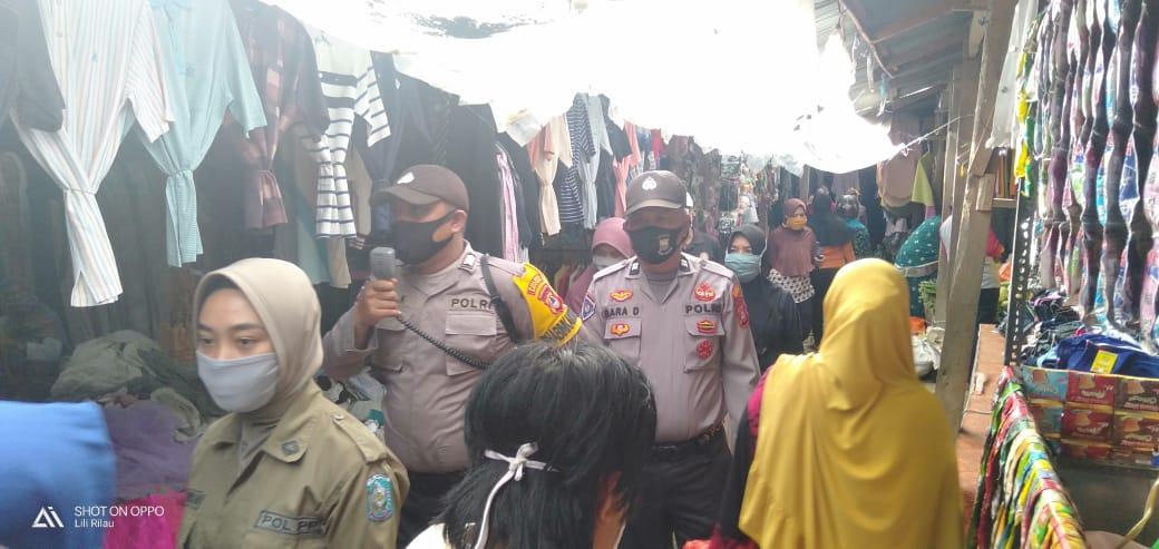 Kanit Reskrim Polsek Lalabata Pimpin Kegiatan Pendisiplinan di Pasar Sentral