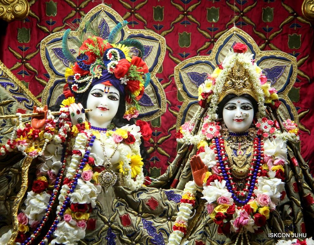 ISKCON Juhu Sringar Deity Darshan on 24th June 2016 (12)