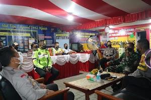 Malam Jelang Hari Raya, Dandim 0913/PPU Bersama Kapolres PPU Pantau Pos Terpadu, Yakinkan Aman Serta Kondusif