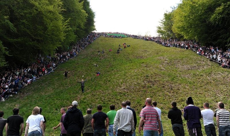 cooper-hill-cheese-rolling-19