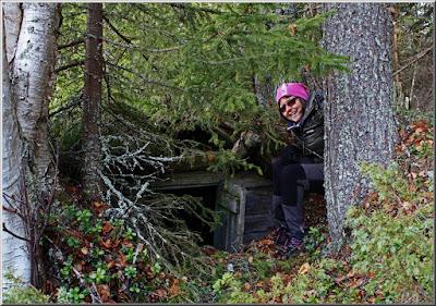151024 Tomteboda, Inez fascineras av jordkällare