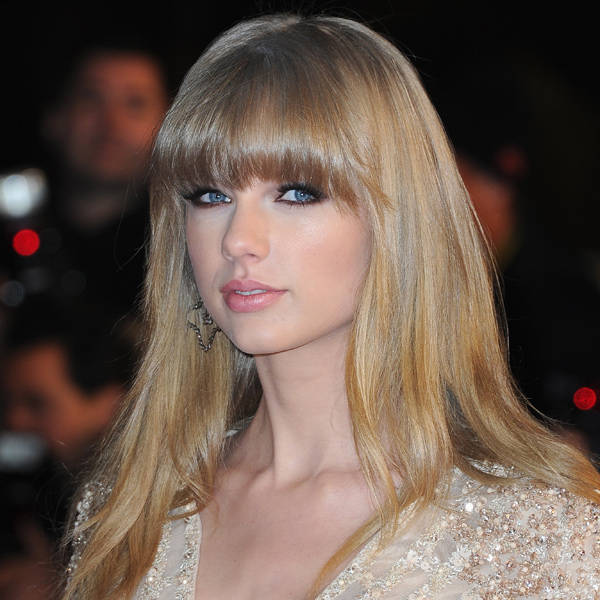 Taylor Swift: Pretty damsel Taylor Swift is one of the hottest singers, whose last album Red, clocked 1.2 million copies in its first week of release. The diva has dated sexiest men like Taylor Lautner, John Mayer, Jake Gyllenhaal and Conor Kennedy.