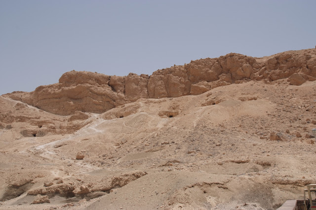 فى مصر الرجل تدب مكان ماتحب ( خاص من أمواج ) 100607-111512-f