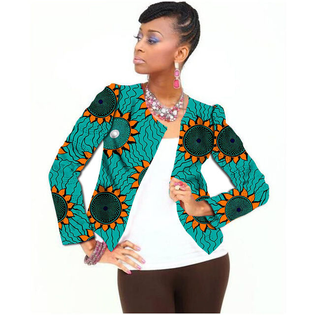 PRETTY AFRICAN SUITS FOR ATTRACTIVE AND PROFESSIONAL LADIES 3