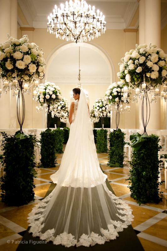 Foto de casamento 0337 de Natalia e Fabio. Marcações: 30/09/2011, Casamento Natalia e Fabio, Fotos de Vestido, Internovias, Rio de Janeiro, Vestido, Vestido de Noiva.