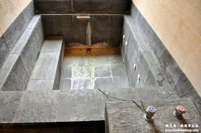 沙里仙溫泉度假村石砌泡湯池