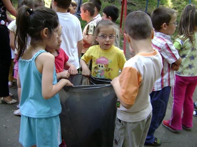 Actiune in colaborare cu Clubul Copiilor pentru pastrarea naturii curate - proiect educational - mai - DSC01729.JPG