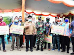 Penerima Bantuan Bedah Rumah  Di Tapung Menangis Haru, Ucapkan Terimakasih Kepada Bupati Kampar