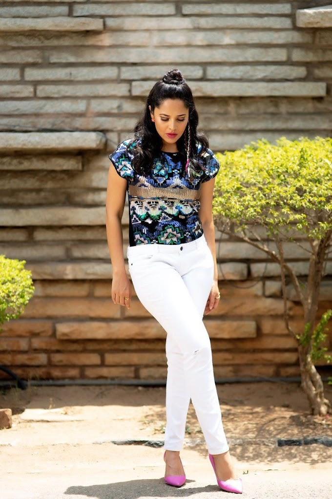 Anasuya Bharadwaj White Jeens Hot Pics