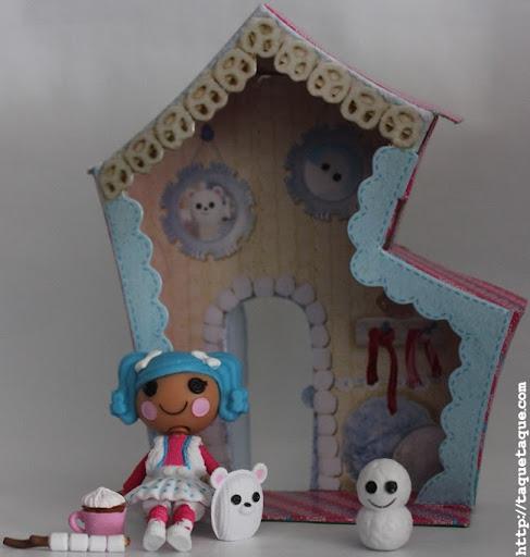 mini Lalaloopsy Mittens Fluff 'n' Stuff en su casa, con su mascota y sus accesorios