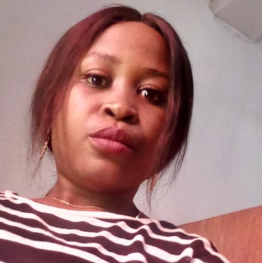 user Maureen Maryann apkdeer profile image