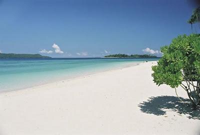 Pantai Senggigi, Indonesia