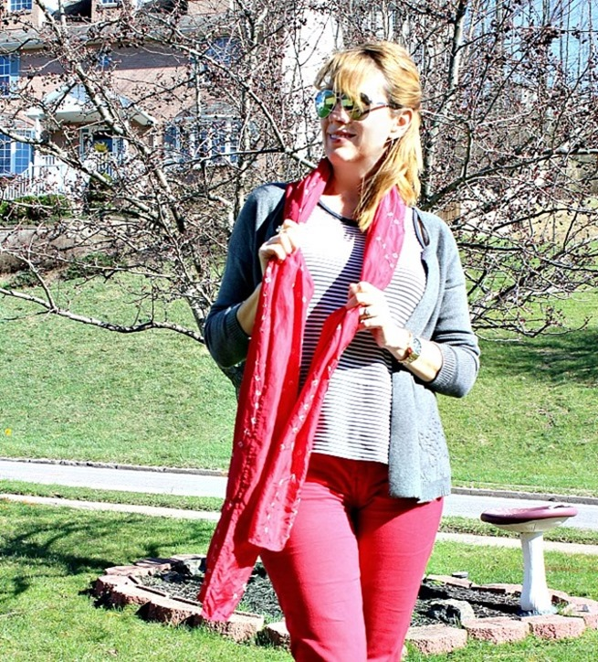 red-pants-and-scarf-4
