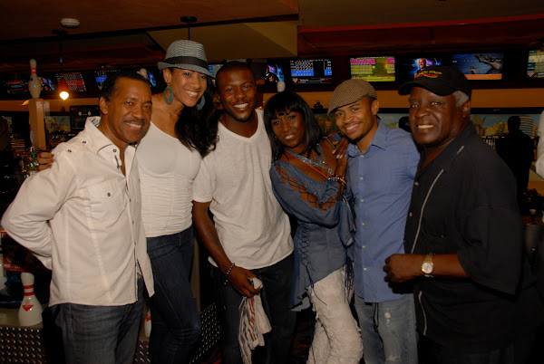 KiKi Shepards 8th Annual Celebrity Bowling Challenge (2011) - DSC_0685.JPG