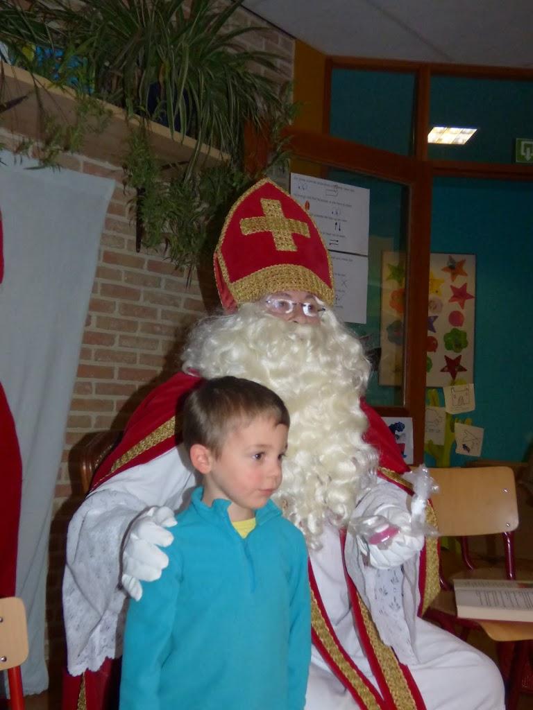 Sinterklaas op bezoek - P1060510.JPG